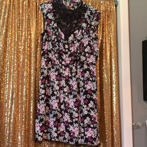Beautiful dress, very flattering and stretchy!